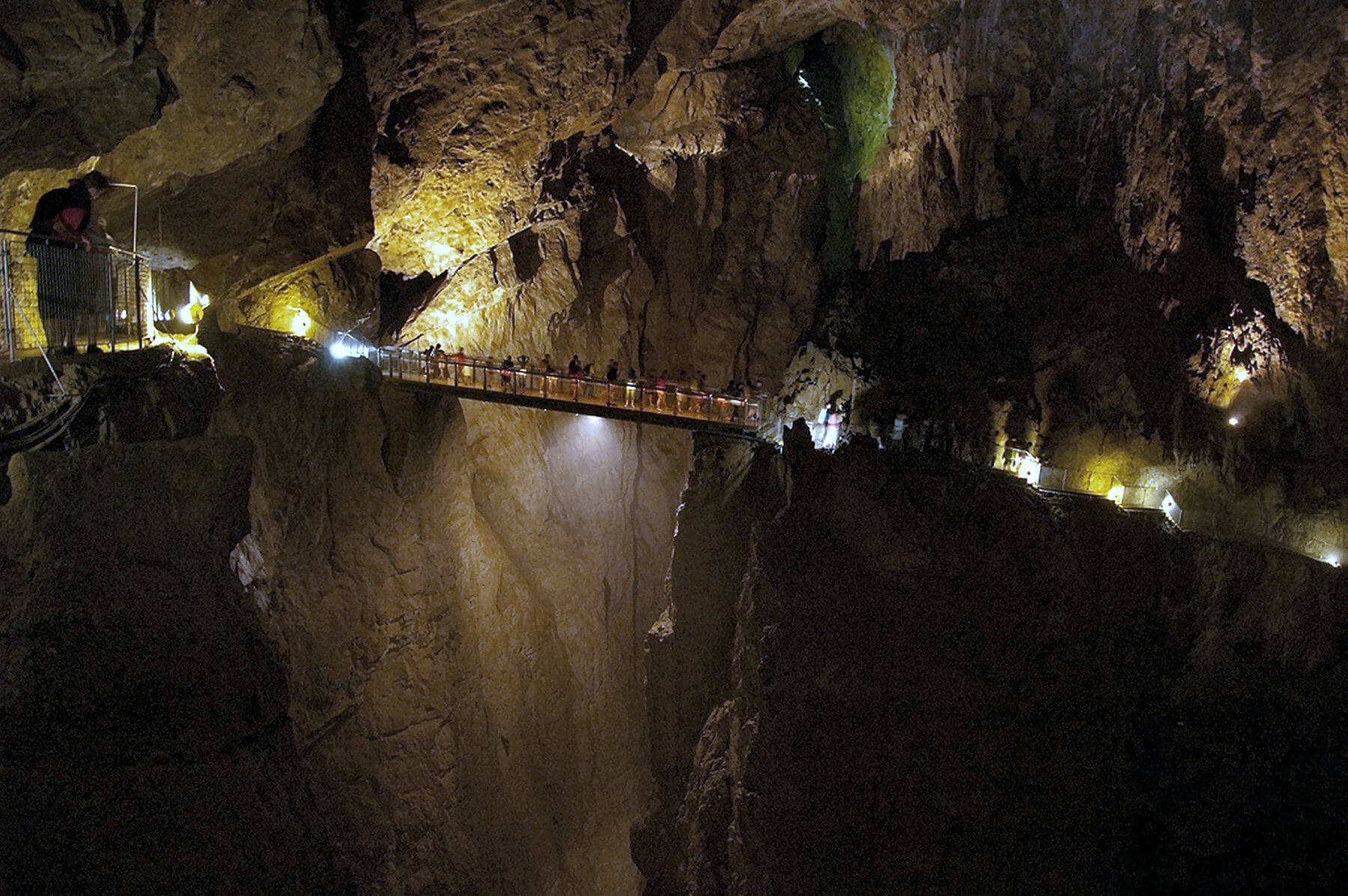 skocjan-caves-bridge
